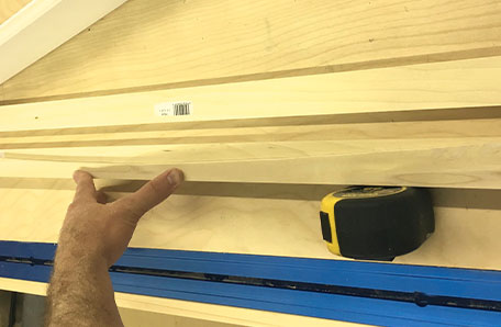 Scribing the curve on a shelf rail